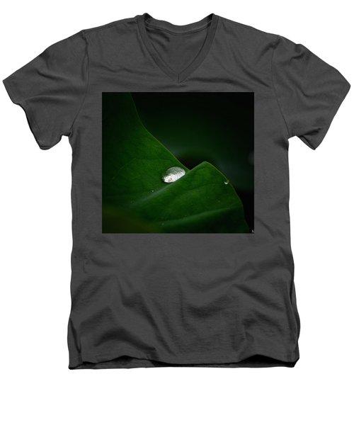 One Drop Men's V-Neck T-Shirt