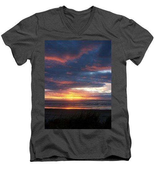 Oregon Coast 11 Men's V-Neck T-Shirt