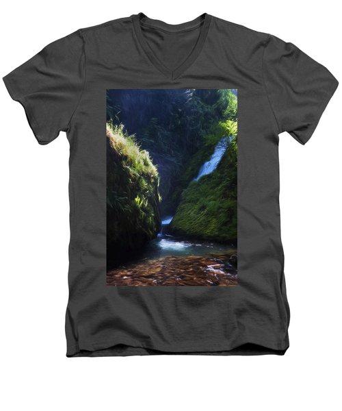 Oregon Waterfall Men's V-Neck T-Shirt