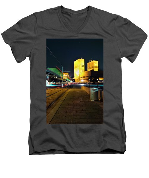 Oslo Town Hall Men's V-Neck T-Shirt