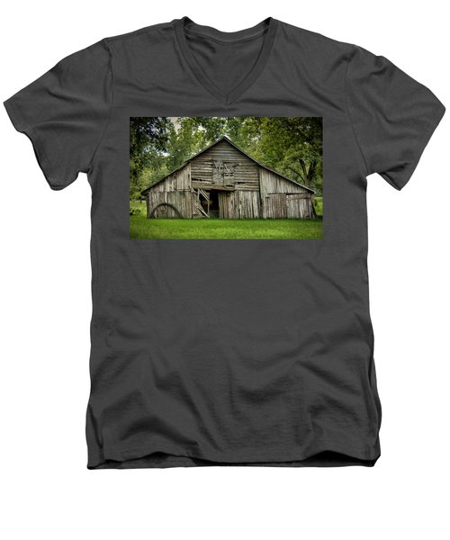Out Of The Past Men's V-Neck T-Shirt