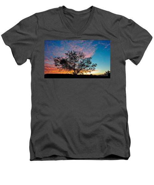 Outback Sunset Pano Men's V-Neck T-Shirt