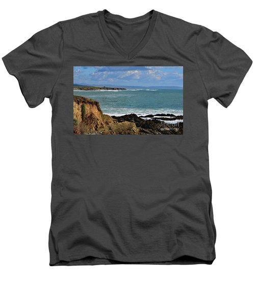 Pacific Coast View At Low Tide Men's V-Neck T-Shirt