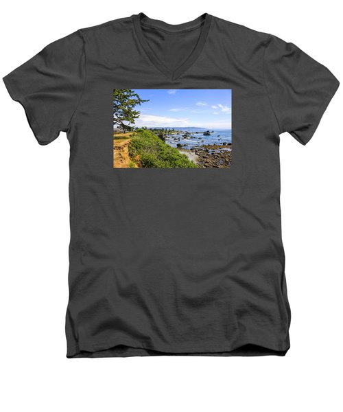 Pacific Coastline In California Men's V-Neck T-Shirt