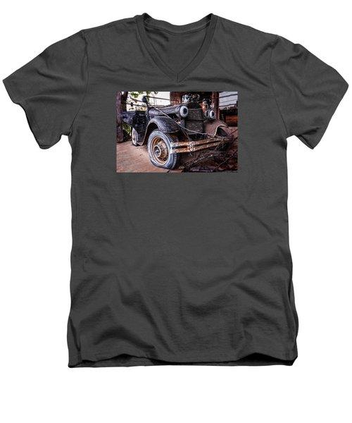 Painted Eyes Men's V-Neck T-Shirt