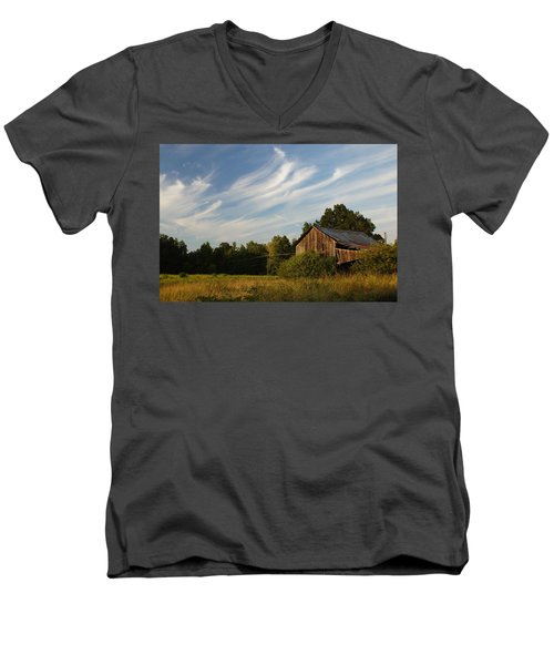 Painted Sky Barn Men's V-Neck T-Shirt