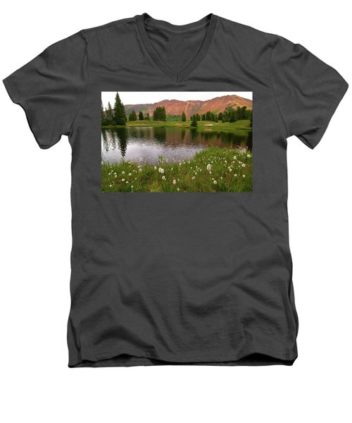 Men's V-Neck T-Shirt featuring the photograph Paradise Basin by Steve Stuller