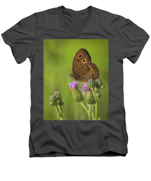 Men's V-Neck T-Shirt featuring the photograph Pauper's Throne by Bill Pevlor