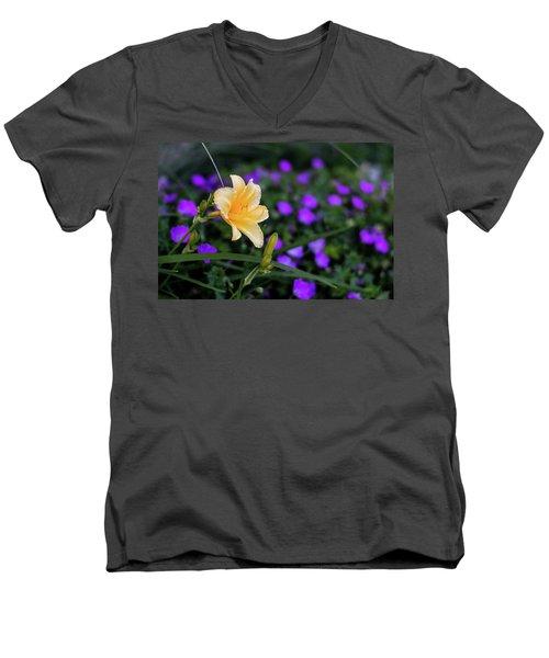 Peachy Purple Men's V-Neck T-Shirt