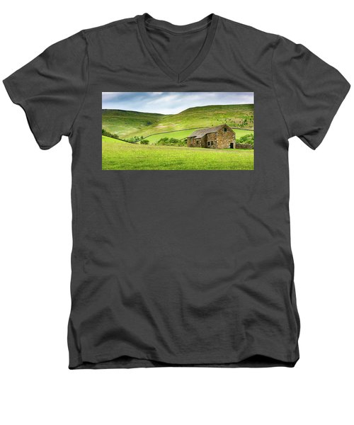 Men's V-Neck T-Shirt featuring the photograph Peak Farm by Nick Bywater
