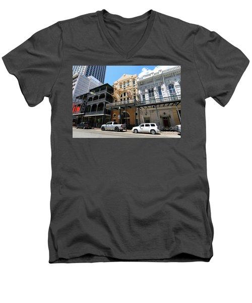 Pearl Oyster Bar Men's V-Neck T-Shirt