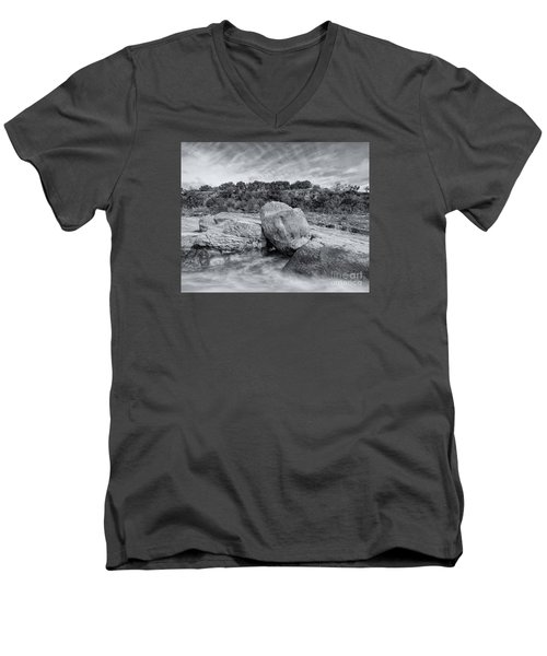 Pedernales River Falls In Black And White - Texas Hill Country Men's V-Neck T-Shirt