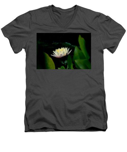 Peekaboo Lemon Water Lily Men's V-Neck T-Shirt