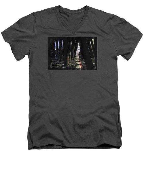 Peeking Men's V-Neck T-Shirt
