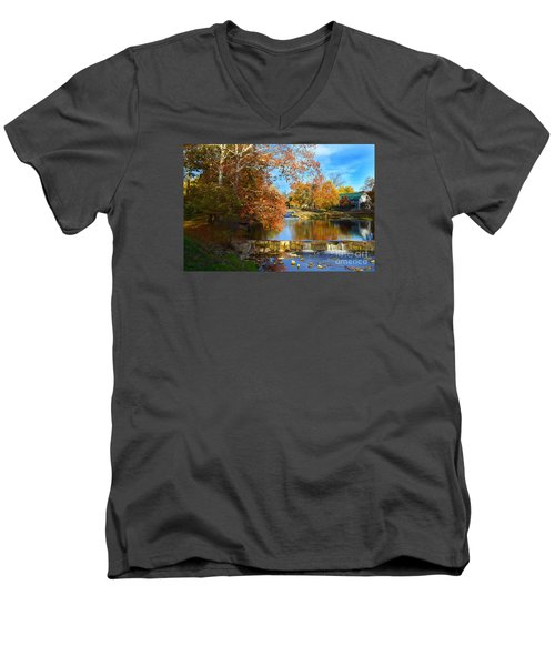 Pendleton Falls Park In The Fall Men's V-Neck T-Shirt