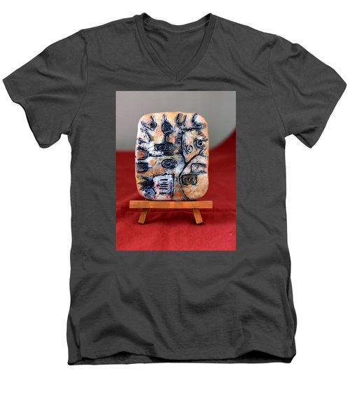 Pensamiento Abstracto Men's V-Neck T-Shirt by Edgar Torres