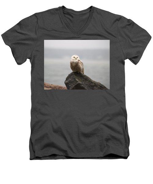People Watching Men's V-Neck T-Shirt