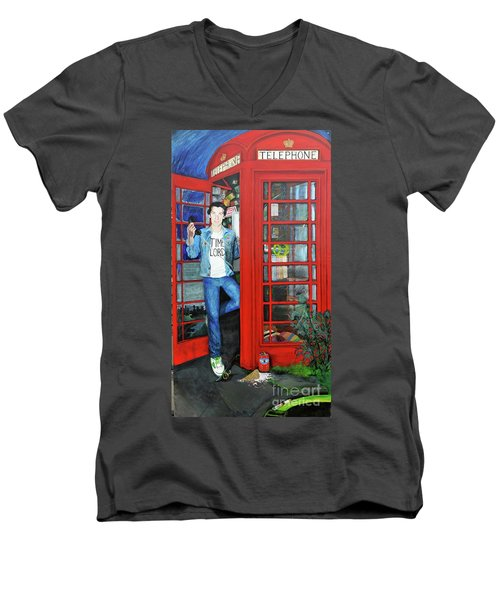 Peter Capaldi Dr Who Putting You Through Men's V-Neck T-Shirt