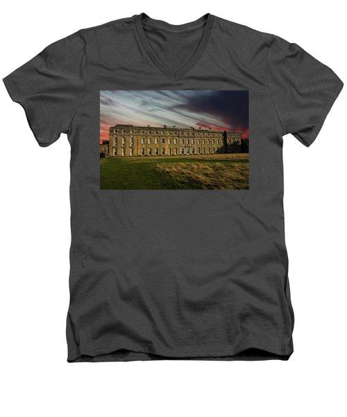 Petworth House Men's V-Neck T-Shirt