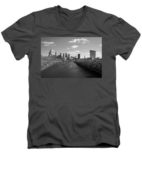 Philly B/w Men's V-Neck T-Shirt