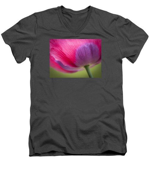 Poppy Close Up Men's V-Neck T-Shirt