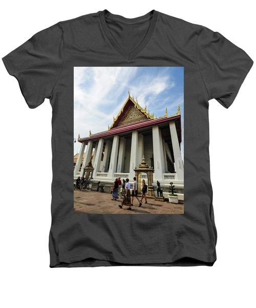 Phra Ubosot At Wat Pho Temple Men's V-Neck T-Shirt