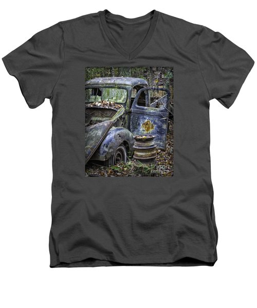 Old Blue Pickup Truck Men's V-Neck T-Shirt