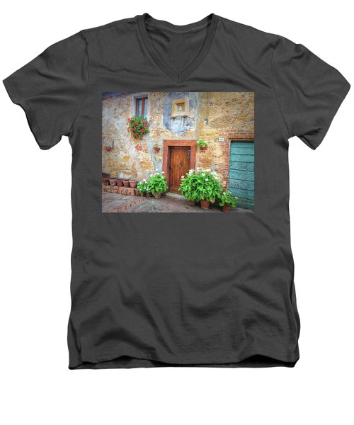Pienza Street Scene Men's V-Neck T-Shirt