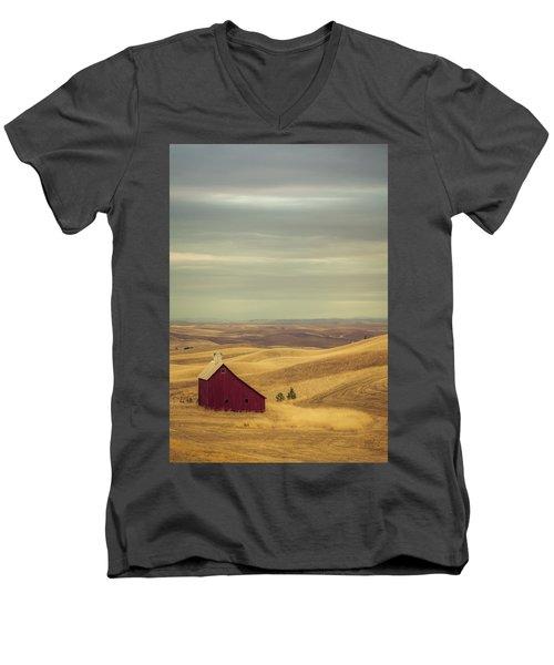 Pillbox Barn Men's V-Neck T-Shirt