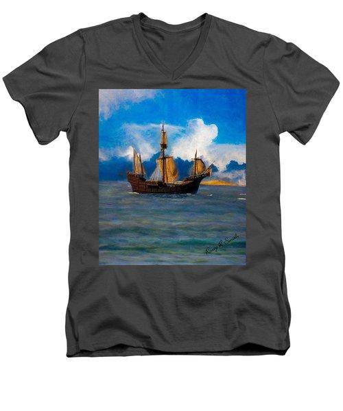 Pinta Replica Men's V-Neck T-Shirt