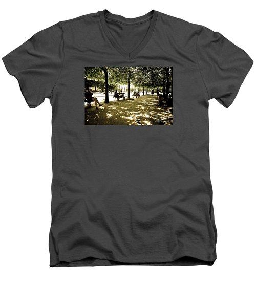 Place De Vosges Men's V-Neck T-Shirt