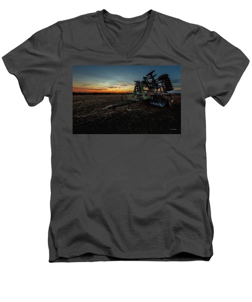 Planting Time Men's V-Neck T-Shirt