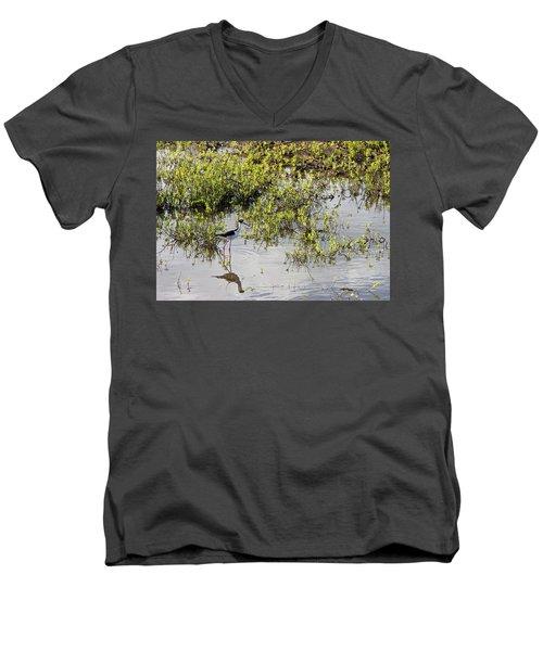 Pond Birdie Men's V-Neck T-Shirt