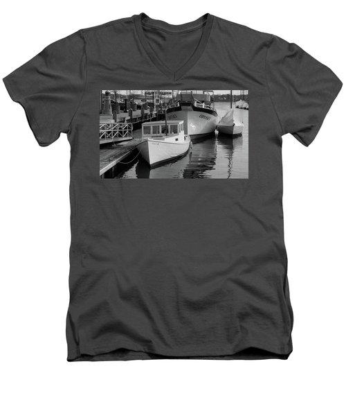 Portland, Maine  Men's V-Neck T-Shirt