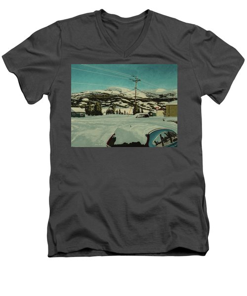 Post Hill Men's V-Neck T-Shirt