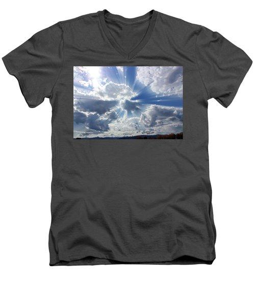 Praise Men's V-Neck T-Shirt