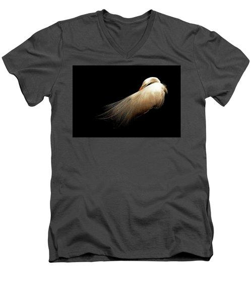 Preening Egret Men's V-Neck T-Shirt