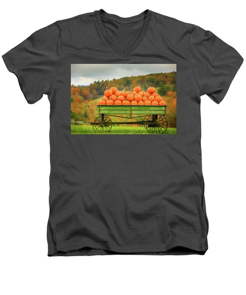 Pumpkins On A Wagon Men's V-Neck T-Shirt
