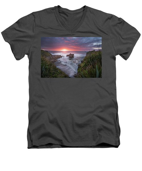Punakaiki Men's V-Neck T-Shirt