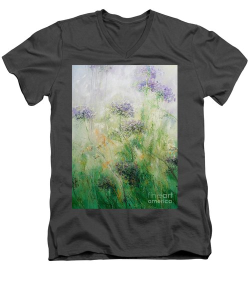 Queen Ann's Lace Men's V-Neck T-Shirt
