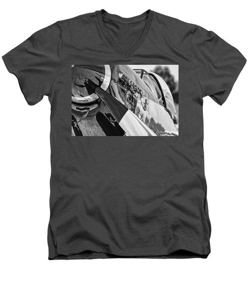 Quick Silver Closeup Men's V-Neck T-Shirt