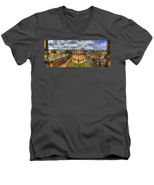 Radcliffe Camera Panorama Men's V-Neck T-Shirt by Yhun Suarez