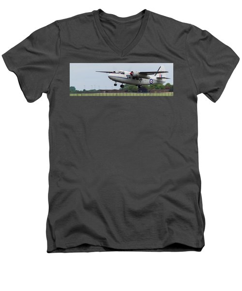 Raf Scampton 2017 - Hunting Percival P 66 Pembroke Taking Off Men's V-Neck T-Shirt