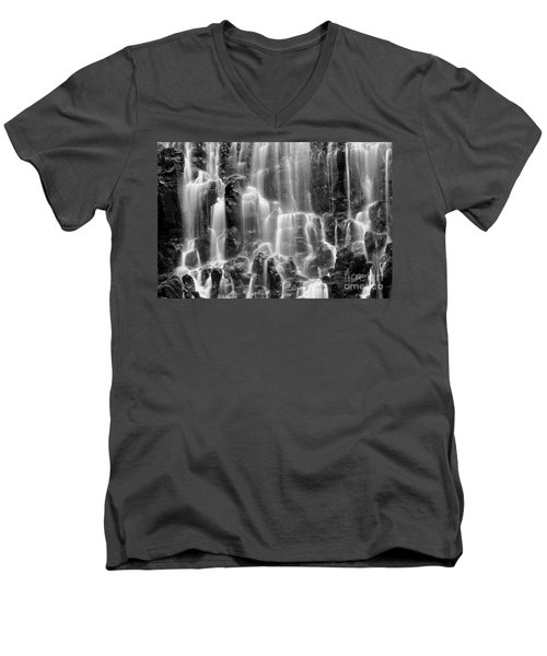 Ramona Falls Close-up Men's V-Neck T-Shirt