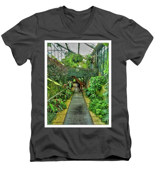Raptor Seen In Kew Gardens Men's V-Neck T-Shirt