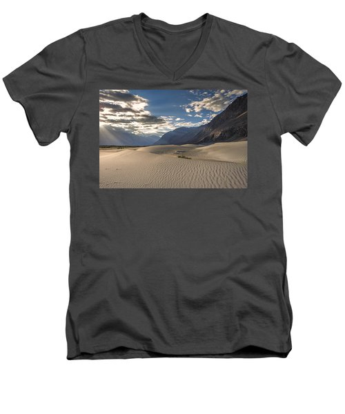 Rays On Dunes Men's V-Neck T-Shirt