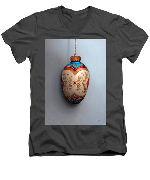 Red And Blue Filigree Egg Ornament Men's V-Neck T-Shirt