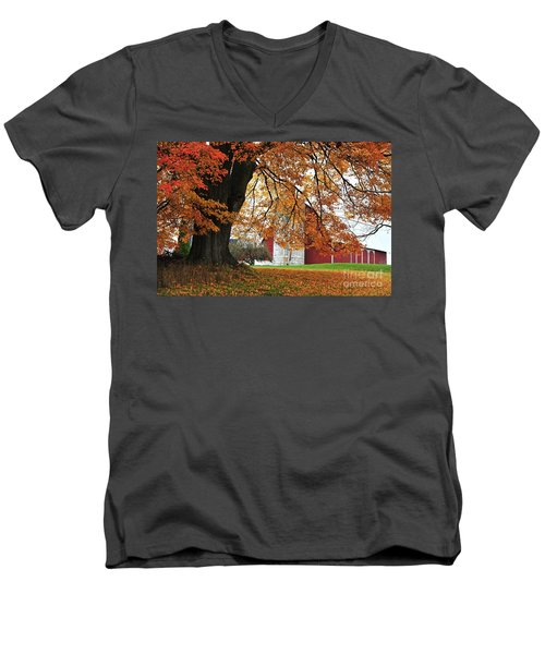 Red Barn In Autumn Men's V-Neck T-Shirt