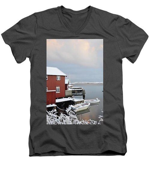 Boathouses Men's V-Neck T-Shirt