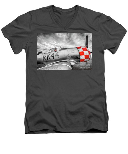 Red Checkers Men's V-Neck T-Shirt